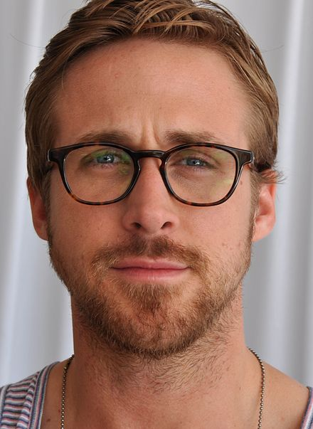 440px-Ryan_Gosling_2_Cannes_2011_(cropped).jpg